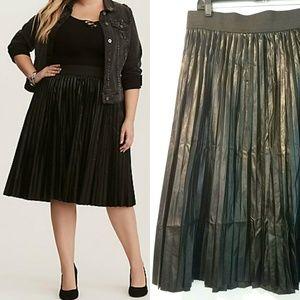 3X Torrid Black Faux Leather Pleated Midi Skirt